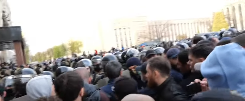 Народ Осетии восстал!